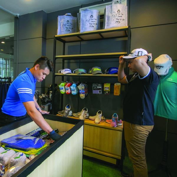 Golf Boutique Sales-100